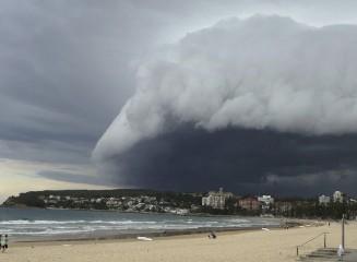 https://www.ragusanews.com//immagini_articoli/06-06-2020/fase-temporalesca-in-arrivo-anche-in-sicilia-240.jpg