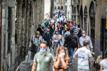https://www.ragusanews.com//immagini_articoli/06-06-2021/51-morti-covid-in-italia-il-6-giugno-280.jpg