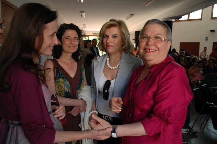 https://www.ragusanews.com//immagini_articoli/06-07-2010/in-pensione-la-direttrice-elvira-aprile-500.jpg
