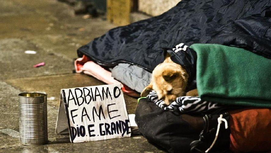 https://www.ragusanews.com//immagini_articoli/06-07-2018/catania-sindaco-vuole-fare-multe-nullatenenti-senzatetto-500.jpg