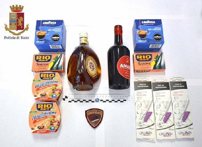https://www.ragusanews.com//immagini_articoli/06-07-2018/furto-supermercato-arrestata-albanese-500.jpg