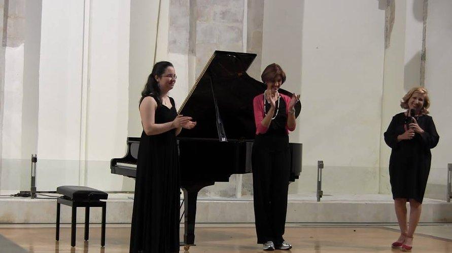 https://www.ragusanews.com//immagini_articoli/06-07-2018/modica-associazione-mozart-italia-concerto-pianista-federica-reale-500.jpg