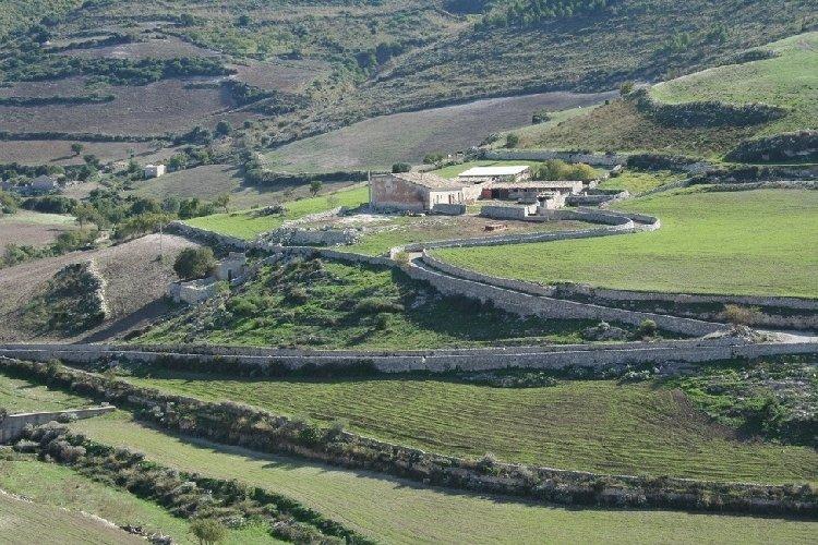 https://www.ragusanews.com//immagini_articoli/06-07-2019/parco-iblei-il-17-luglio-tavolo-istituzionale-al-ministero-ambi-500.jpg