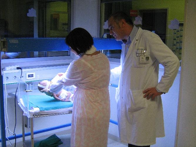 http://www.ragusanews.com//immagini_articoli/06-08-2014/pediatria-nessuna-unita-in-piu-di-personale-500.jpg