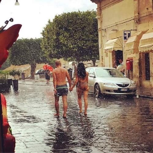https://www.ragusanews.com//immagini_articoli/06-08-2020/sicilia-se-ne-va-l-anticiclone-africano-crollo-termico-e-piogge-500.jpg