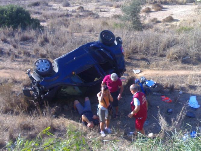 http://www.ragusanews.com//immagini_articoli/06-09-2014/incidente-vittoriese-25enne-in-prognosi-riservata-500.jpg