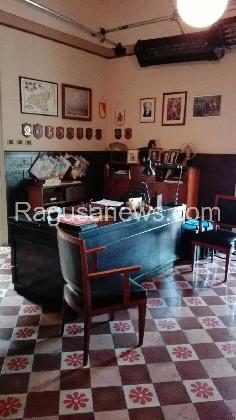 http://www.ragusanews.com//immagini_articoli/06-09-2016/il-municipio-commissariato-di-scicli-eredita-immateriale-unesco-420.jpg