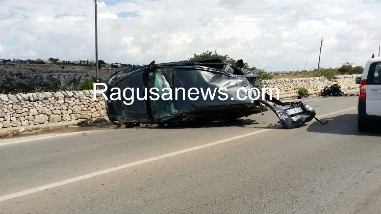 http://www.ragusanews.com//immagini_articoli/06-09-2016/pauroso-incidente-sulla-modica-scicli-ferito-22enne-420.jpg