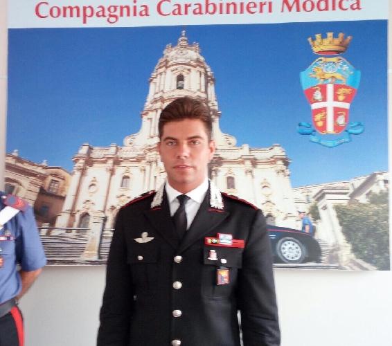 http://www.ragusanews.com//immagini_articoli/06-09-2017/cambio-guardia-compagnia-carabinieri-modica-500.jpg