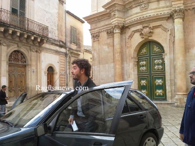https://www.ragusanews.com//immagini_articoli/06-09-2017/michele-riondino-torner-mossa-cavallo-500.jpg