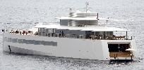 http://www.ragusanews.com//immagini_articoli/06-09-2017/yacht-vedova-figlia-steve-jobs-approda-sicilia-100.jpg