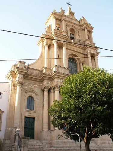 https://www.ragusanews.com//immagini_articoli/06-09-2018/arrivo-mila-euro-restauro-chiesa-giarratana-500.jpg