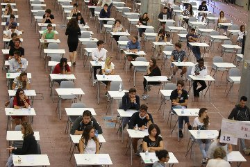 https://www.ragusanews.com//immagini_articoli/06-09-2018/test-ingresso-studenti-facolta-lingue-ragusa-240.jpg
