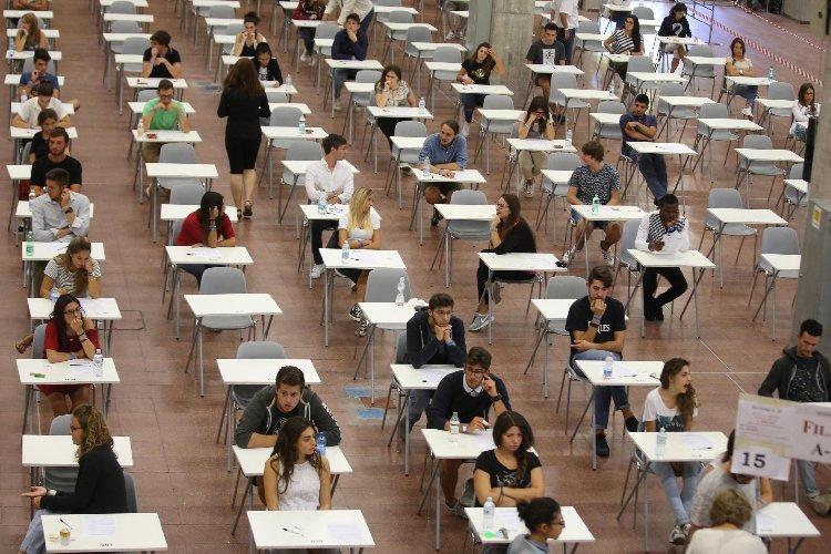 https://www.ragusanews.com//immagini_articoli/06-09-2018/test-ingresso-studenti-facolta-lingue-ragusa-500.jpg