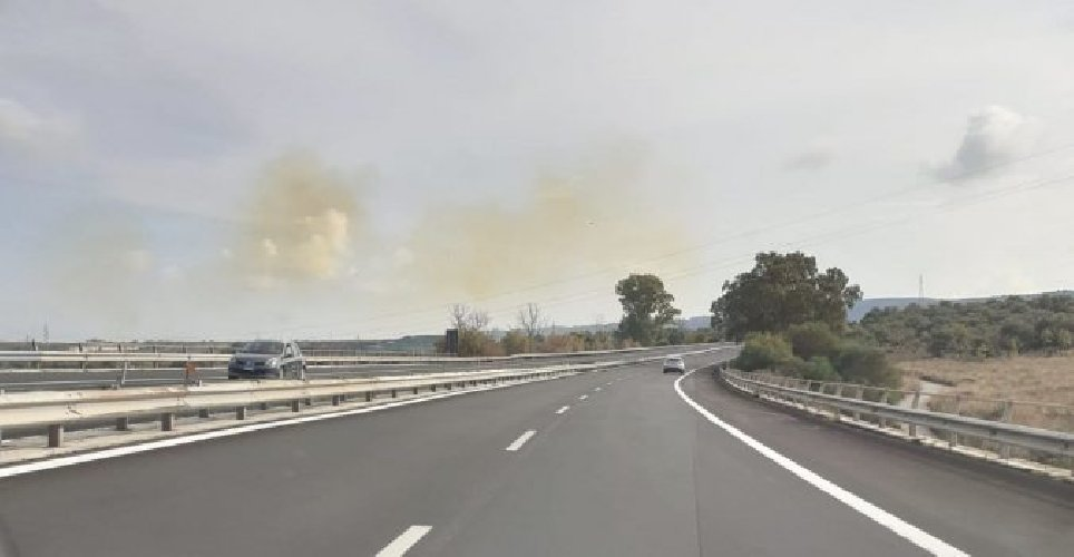 https://www.ragusanews.com//immagini_articoli/06-09-2019/nube-gialla-ad-augusta-un-piccolo-incidente-500.jpg