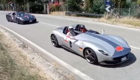 https://www.ragusanews.com//immagini_articoli/06-09-2021/parata-di-ferrari-per-le-strade-siciliane-video-280.jpg