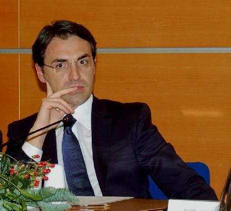 http://www.ragusanews.com//immagini_articoli/06-10-2016/giovanni-occhipinti-nuovo-presidente-della-soaco-420.jpg