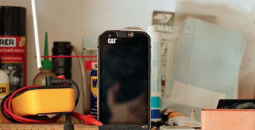 http://www.ragusanews.com//immagini_articoli/06-10-2016/ingegneri-e-architetti-ecco-il-vostro-telefonino-con-camera-termica-420.png
