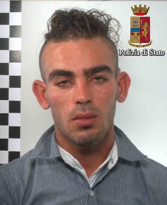 http://www.ragusanews.com//immagini_articoli/06-10-2016/torna-in-liberta-e-dopo-32-ore-gia-spaccia-arrestato-mohamed-gader-420.jpg
