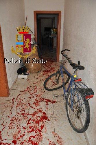 https://www.ragusanews.com//immagini_articoli/06-10-2018/ghanese-autolesionista-comiso-500.jpg