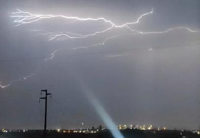 https://www.ragusanews.com//immagini_articoli/06-10-2021/notte-da-lupi-nel-ragusano-tuoni-lampi-e-pioggia-video-280.jpg