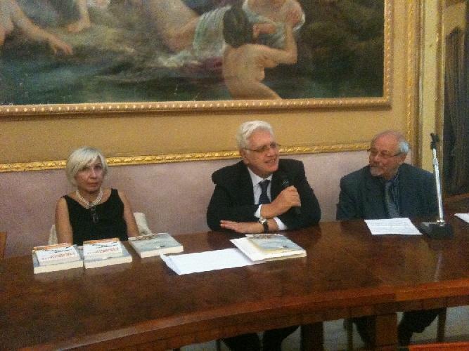 https://www.ragusanews.com//immagini_articoli/06-11-2012/giudei-a-scicli-uomini-campagne-e-sinagoghe-500.jpg