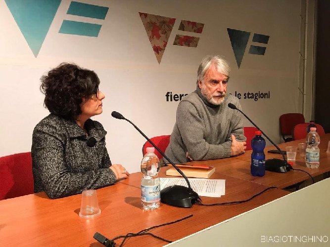 https://www.ragusanews.com//immagini_articoli/06-11-2018/paolo-crepet-vittoria-500.jpg