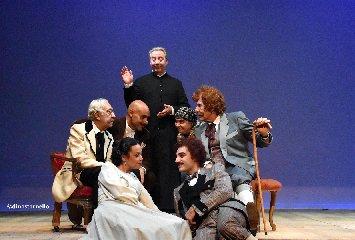 https://www.ragusanews.com//immagini_articoli/06-12-2018/apre-teatro-leonardo-sciascia-240.jpg
