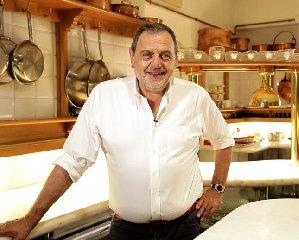 https://www.ragusanews.com//immagini_articoli/06-12-2018/terra-matta-2018-ristoranti-storici-vissani-240.jpg