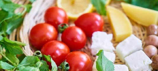 https://www.ragusanews.com//immagini_articoli/06-12-2019/dimagrire-velocemente-seguendo-la-dieta-mediterranea-240.jpg