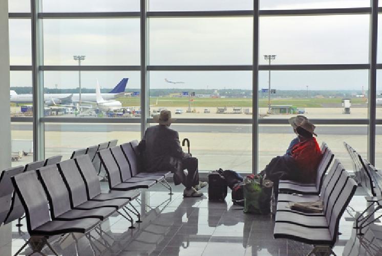 http://www.ragusanews.com//immagini_articoli/07-01-2015/la-mia-brutta-esperienza-nell-attesa-di-un-volo-500.jpg