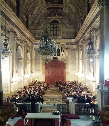 http://www.ragusanews.com//immagini_articoli/07-01-2017/scicli-cena-chiesa-meno-fortunati-420.jpg