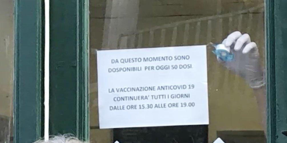 https://www.ragusanews.com//immagini_articoli/07-01-2021/1610029752-vaccini-anticovid-a-scicli-sindaco-giannone-chiede-all-asp-i-criteri-1-500.jpg