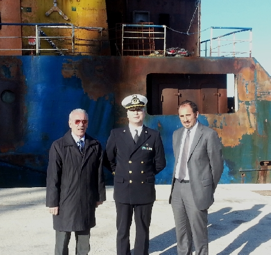 https://www.ragusanews.com//immagini_articoli/07-02-2014/la-nave-goldstar-va-in-turchia-500.jpg