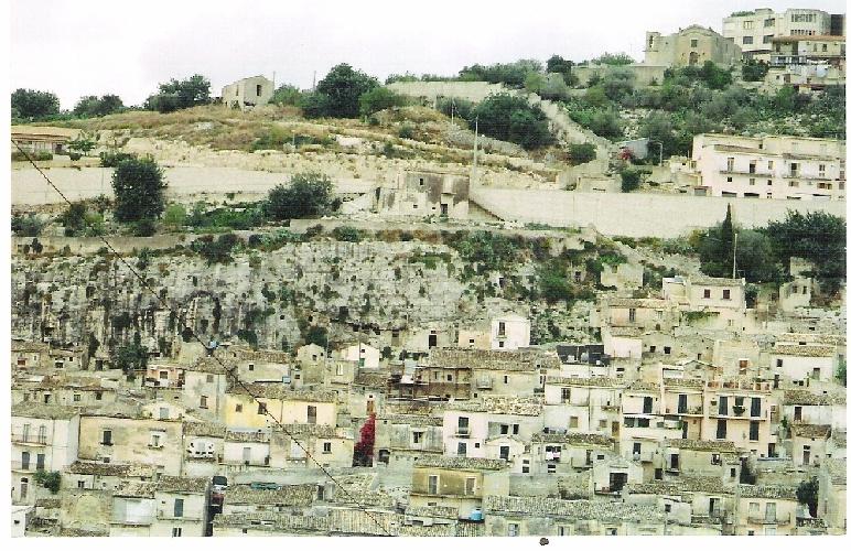 https://www.ragusanews.com//immagini_articoli/07-02-2014/sequestrata-una-casa-abusiva-sulla-collina-dellitria-di-modica-500.jpg
