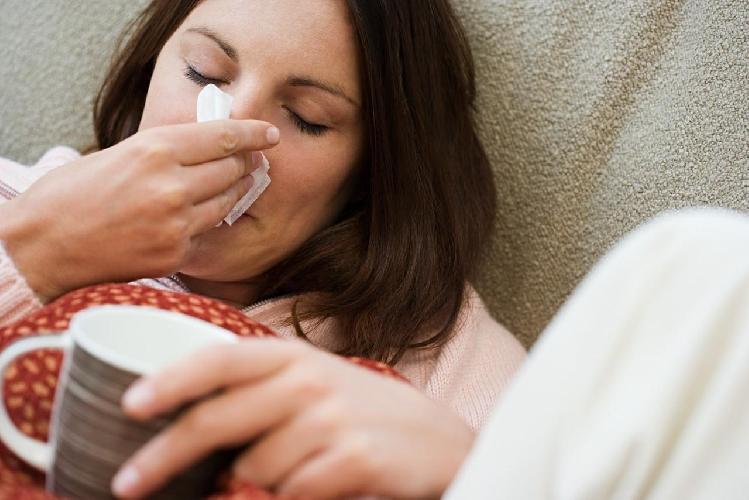 http://www.ragusanews.com//immagini_articoli/07-02-2015/influenza-ragusa-si-vaccina-solo-1-su-10-arico-predica-la-prevenzione-500.jpg