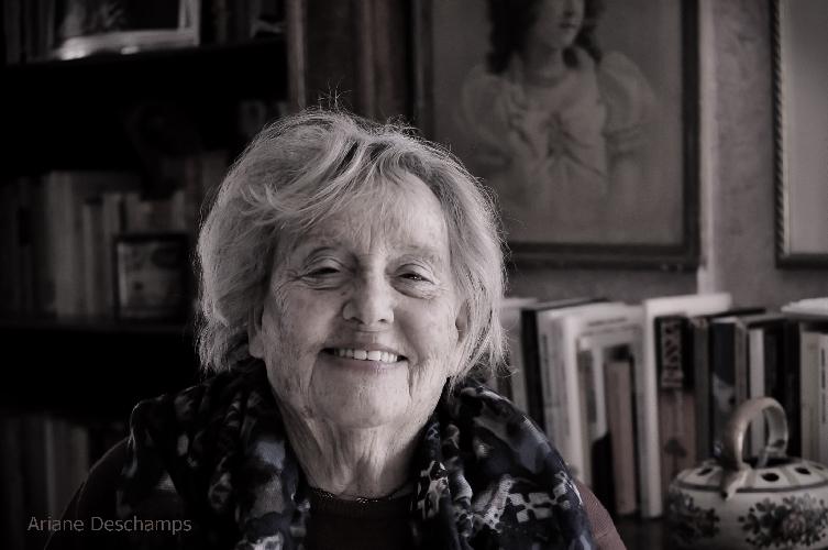 https://www.ragusanews.com//immagini_articoli/07-02-2016/la-nuova-femminilita-siciliana-di-ariane-deschamps-500.jpg