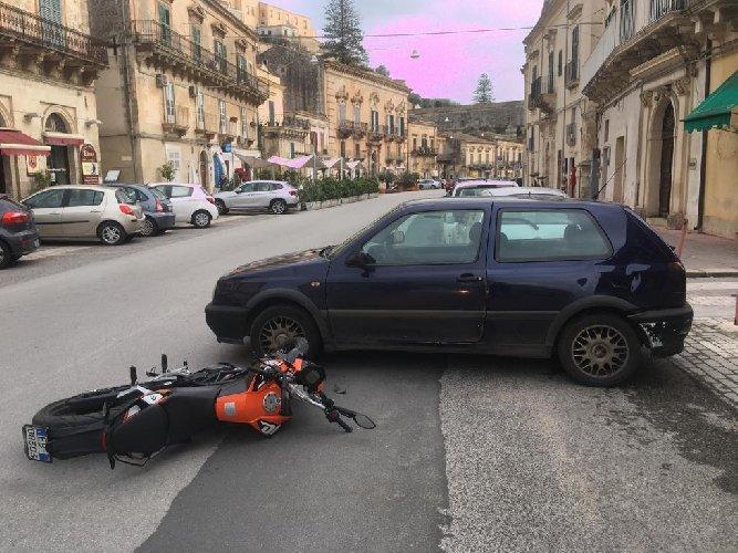 https://www.ragusanews.com//immagini_articoli/07-02-2019/modica-incidenti-strada-foto-500.jpg
