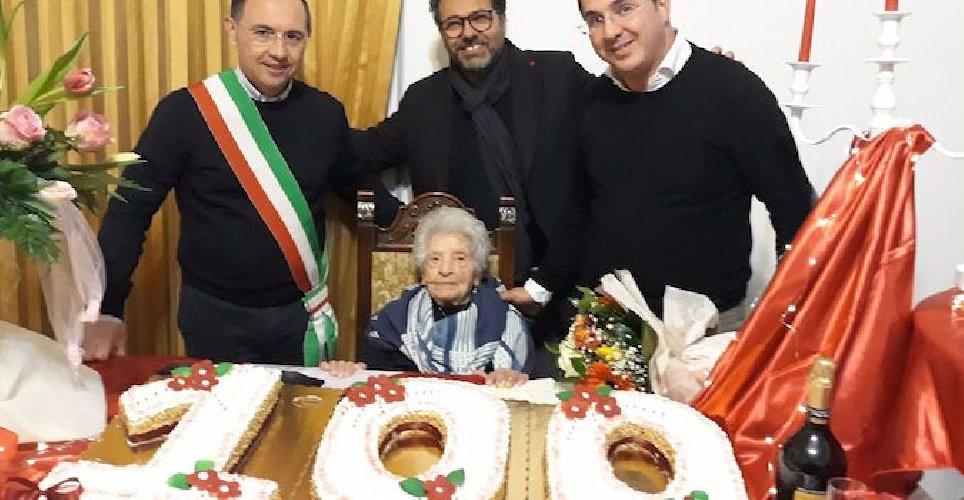https://www.ragusanews.com//immagini_articoli/07-02-2019/modicana-festeggia-anni-rosolini-500.jpg