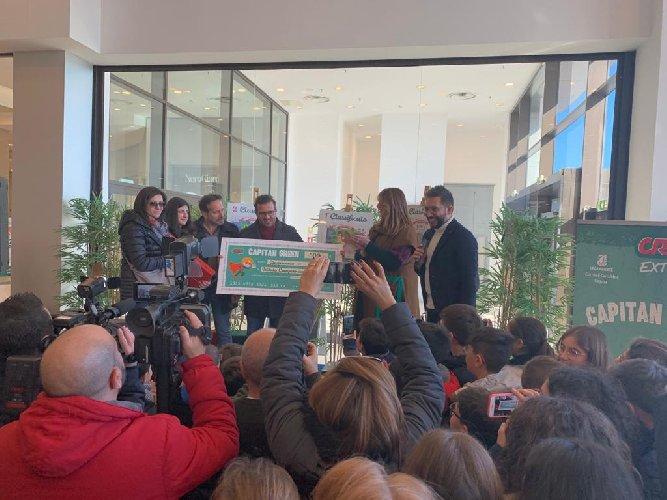 https://www.ragusanews.com//immagini_articoli/07-02-2020/capitan-green-il-premio-di-crai-gruppo-radenza-500.jpg