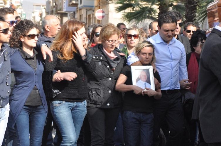 http://www.ragusanews.com//immagini_articoli/07-03-2014/caso-guarascio-fermate-le-aste-giudiziarie-sono-illegali-500.jpg