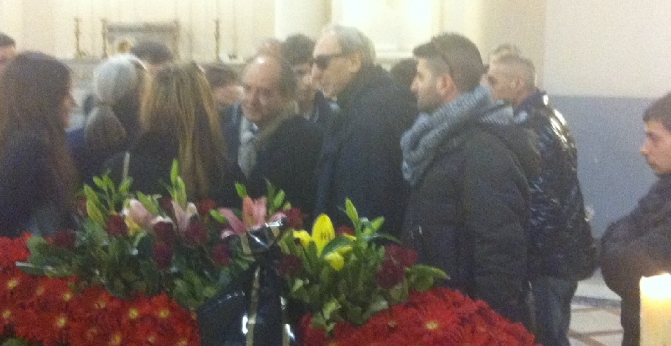 http://www.ragusanews.com//immagini_articoli/07-03-2014/celebrati-i-funerali-di-manlio-sgalambro-500.jpg