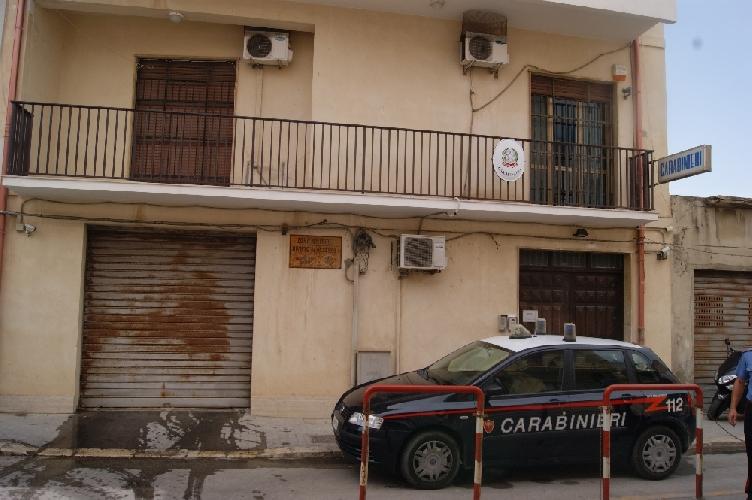 http://www.ragusanews.com//immagini_articoli/07-03-2014/droga-operazione-camaleonte-arrestati-graziella-fiamingo-e-giovanni-ventaloro-500.jpg