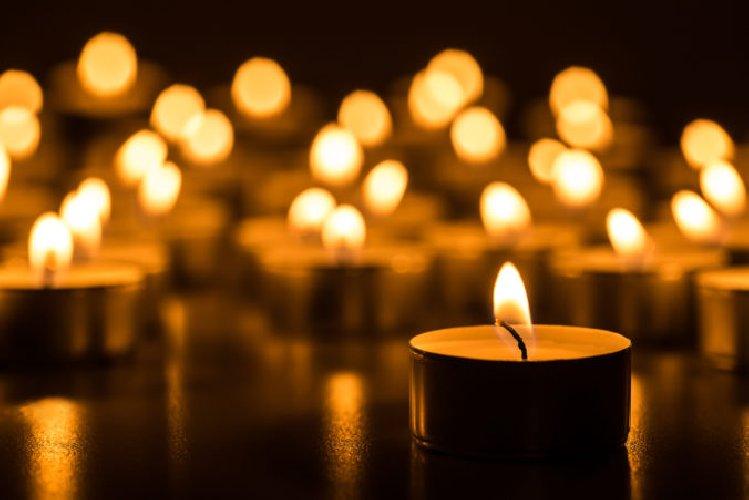 https://www.ragusanews.com//immagini_articoli/07-03-2018/vittoria-muore-padre-figlio-suicida-dopo-poche-500.jpg