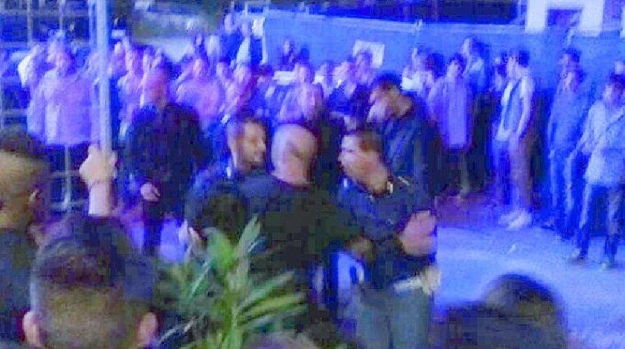 https://www.ragusanews.com//immagini_articoli/07-03-2019/rissa-allesterno-discoteca-denunciate-persone-500.jpg