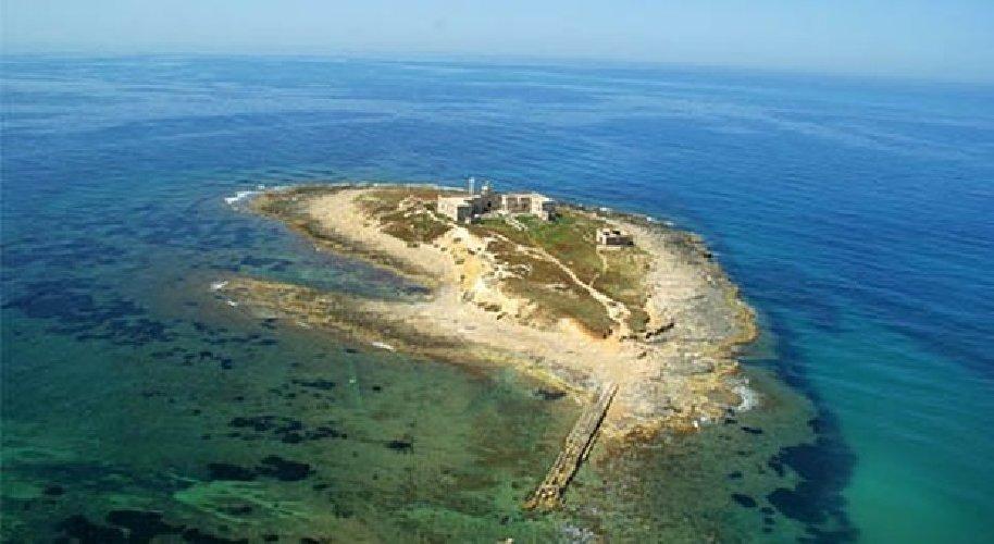 https://www.ragusanews.com//immagini_articoli/07-04-2019/in-vendita-l-isola-di-capo-passero-500.jpg