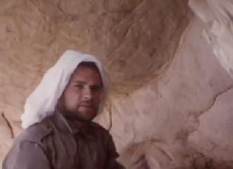 https://www.ragusanews.com//immagini_articoli/07-04-2019/piero-guccione-sahara-libico-video-240.png
