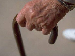 https://www.ragusanews.com//immagini_articoli/07-04-2020/anziano-di-vittoria-impazzisce-denunciato-240.jpg