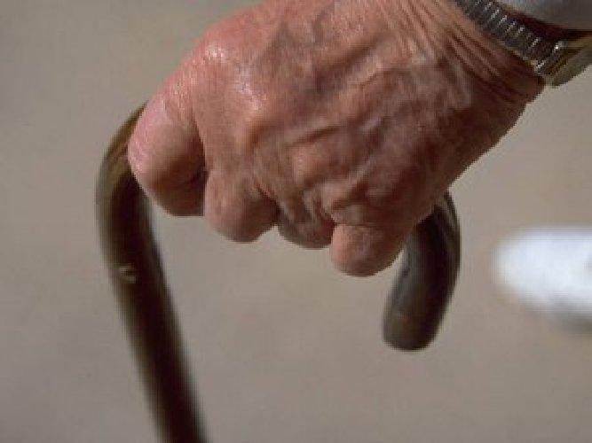 https://www.ragusanews.com//immagini_articoli/07-04-2020/anziano-di-vittoria-impazzisce-denunciato-500.jpg