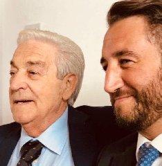 https://www.ragusanews.com//immagini_articoli/07-04-2020/e-morto-il-papa-di-giancarlo-cancelleri-240.jpg